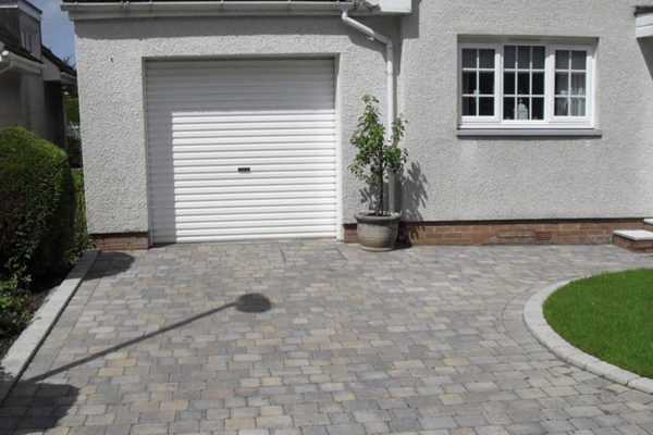 Driveway Feature